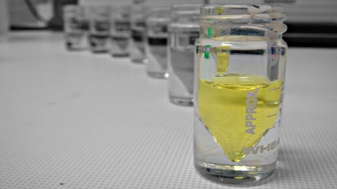 Ferricyanide in glass vials