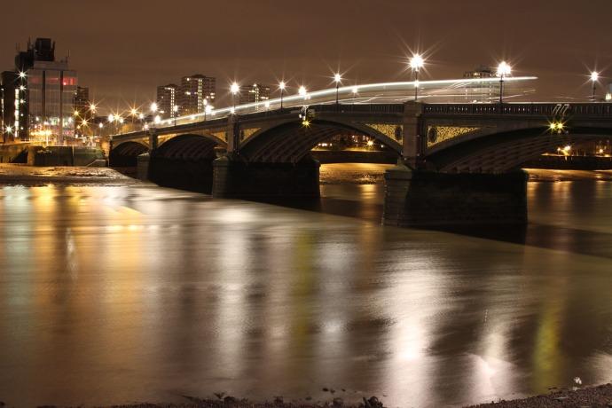 Battersea Bridge by night