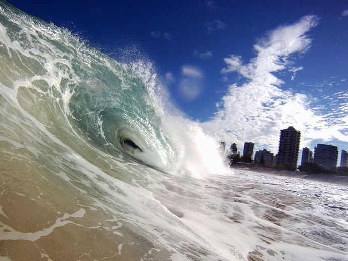 Wave at Surfer's Paradise, Queensland