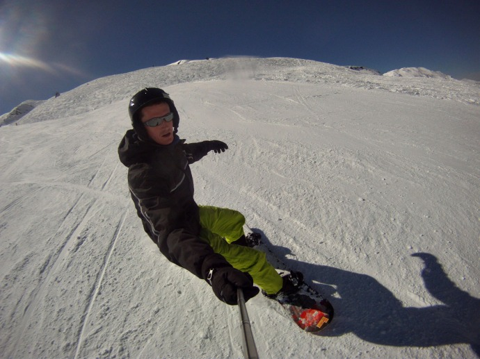 Cruising down the lovely Faon piste in Meribel. Applying the 'High Pose Factor' stance I learned from my lessons.